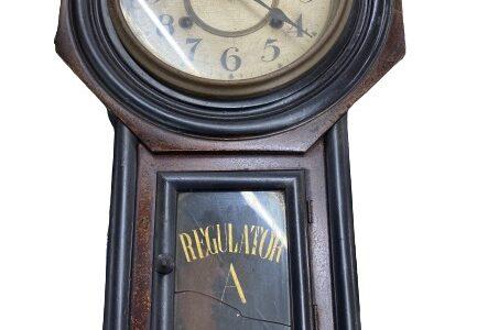 アンティークなゼンマイ古時計お譲りいただきました!